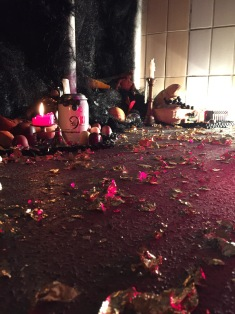 For the closing event the floor was covered in gold leaf flakes, a nod to the Baroque and Rococo culture of excess.